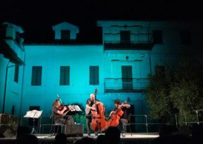 Castiglione Tinella, Un palco tra le vigne
